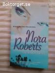 11886 - Nora Roberts - Förförande Löften
